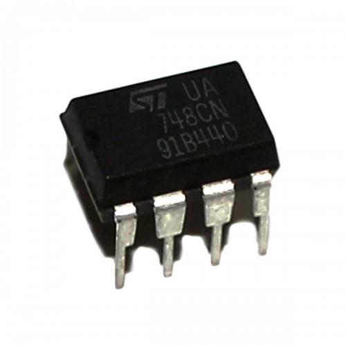 LM748 Op-Amp